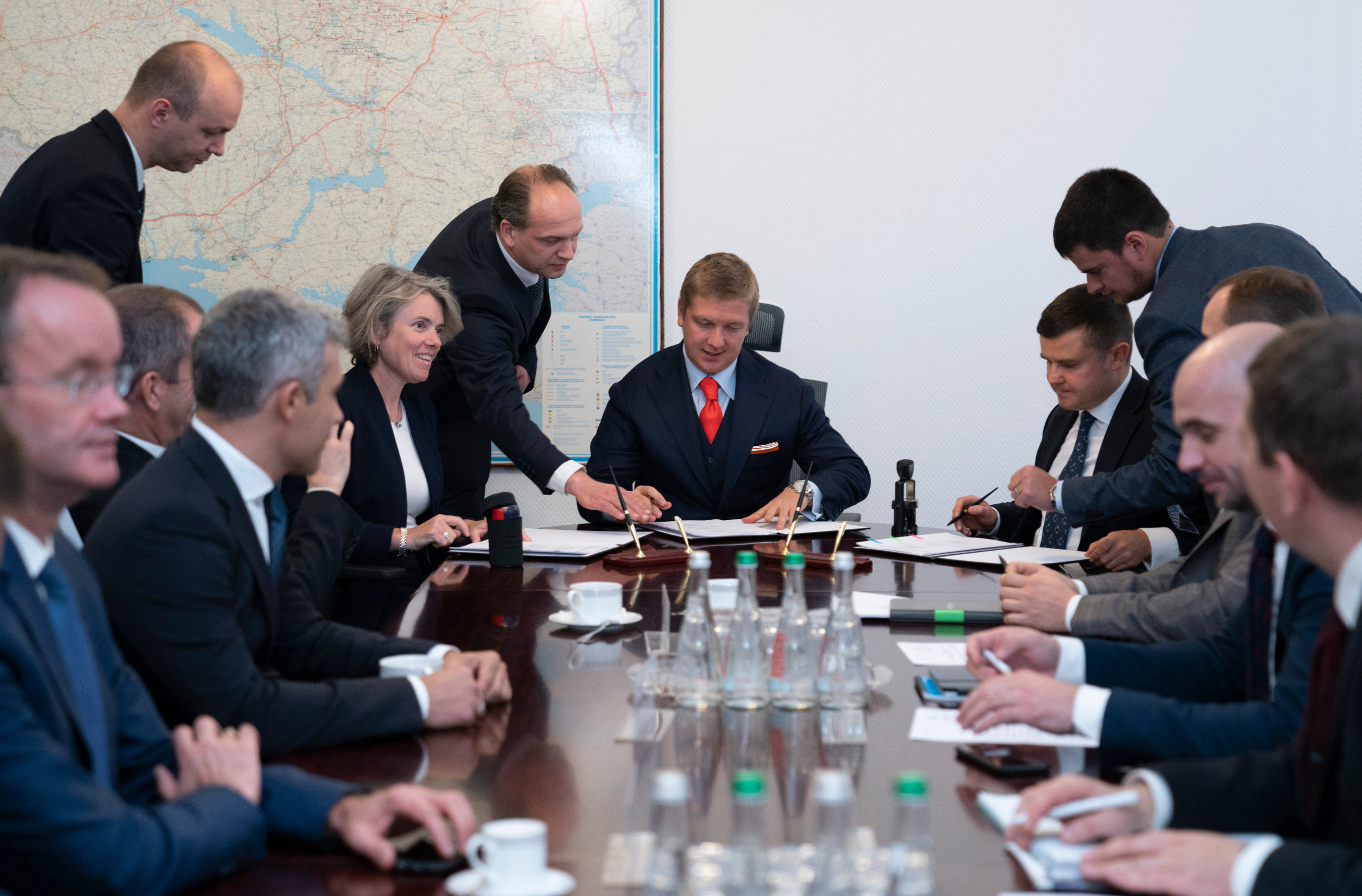 Naftogaz and Ukrgazvydobuvannya sign MoU with leading Oil & Gas service provider Schlumberger