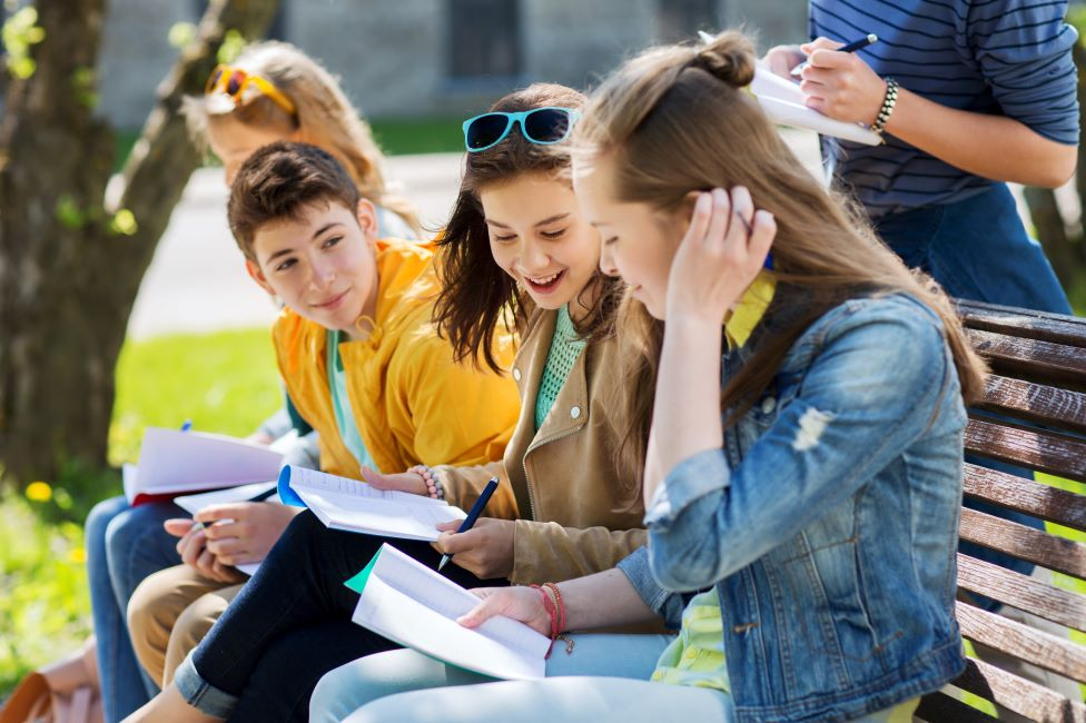 Naftogaz Attracts Young People to Develop Social Projects in the Regions